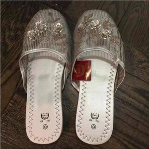 FINAL PRICE‼️ Chinese Slipper Sandals